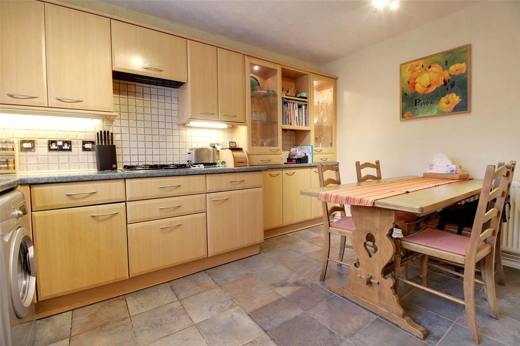 3 Bedrooms Semi Detached House for sale in Redwood Avenue, Woodley, Reading, Berkshire, RG5