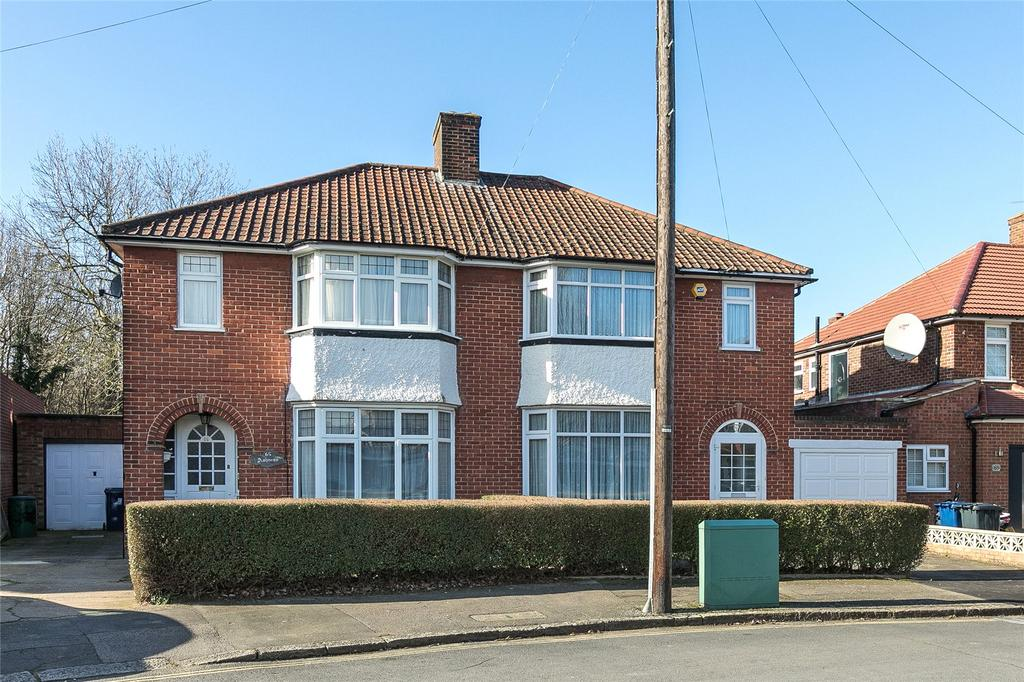 3 Bedrooms Semi Detached House for sale in Ashness Gardens, Greenford, UB6