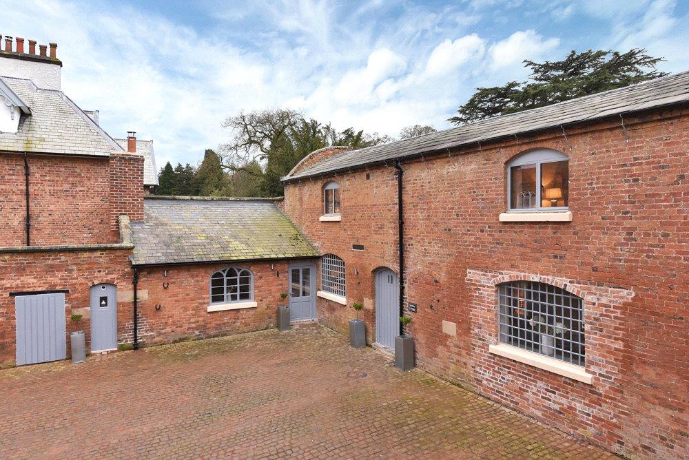 4 Bedrooms Barn Conversion Character Property for sale in Cheadle Road, Oakamoor, Staffordshire