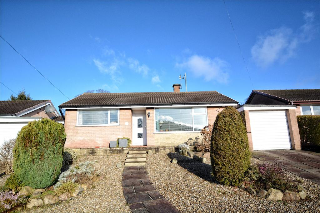 2 Bedrooms Detached Bungalow for sale in Abbey Fields, Whalley, Clitheroe, Lancashire, BB7