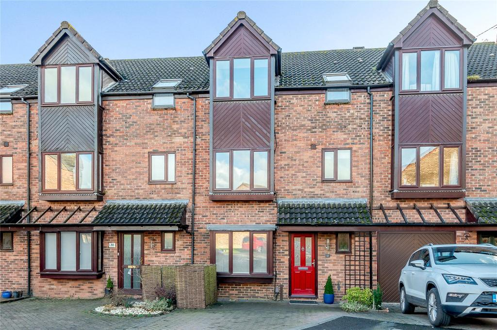 4 Bedrooms Terraced House for sale in Harvesters, St. Albans, Hertfordshire