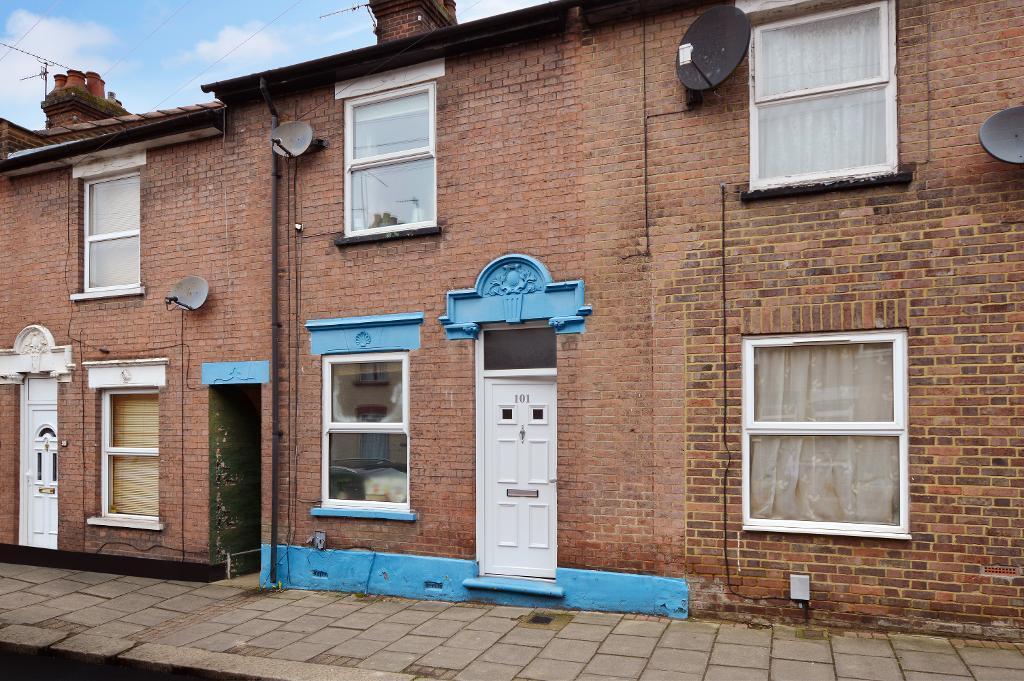 3 Bedrooms Terraced House for sale in Ridgway Road, High Town, Luton, LU2 7RS