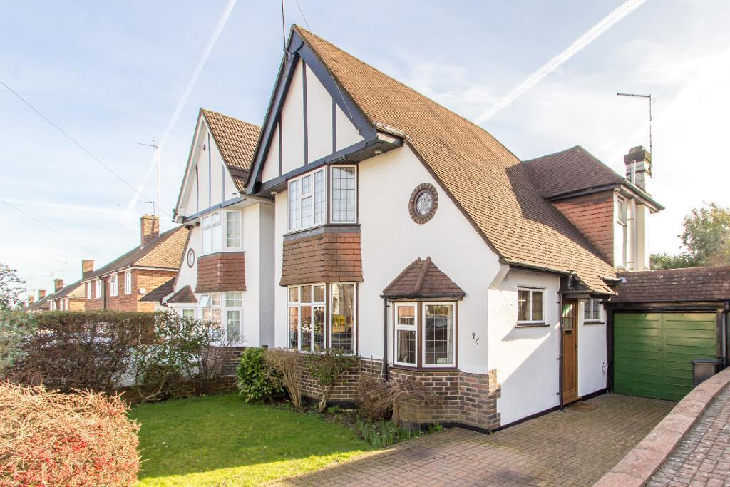 3 Bedrooms Detached House for sale in Dulverton Road, Selsdon, South Croydon, Surrey, CR2 8PG