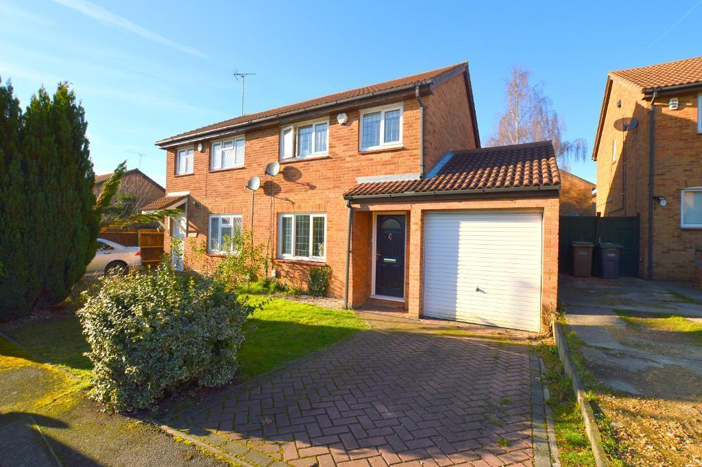 3 Bedrooms Semi Detached House for sale in Glenfield Road, Luton, LU3 2HZ