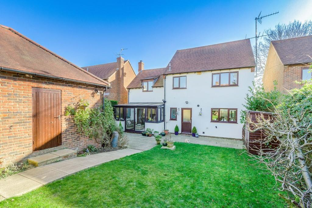 4 Bedrooms Detached House for sale in Amblers Way, Padbury