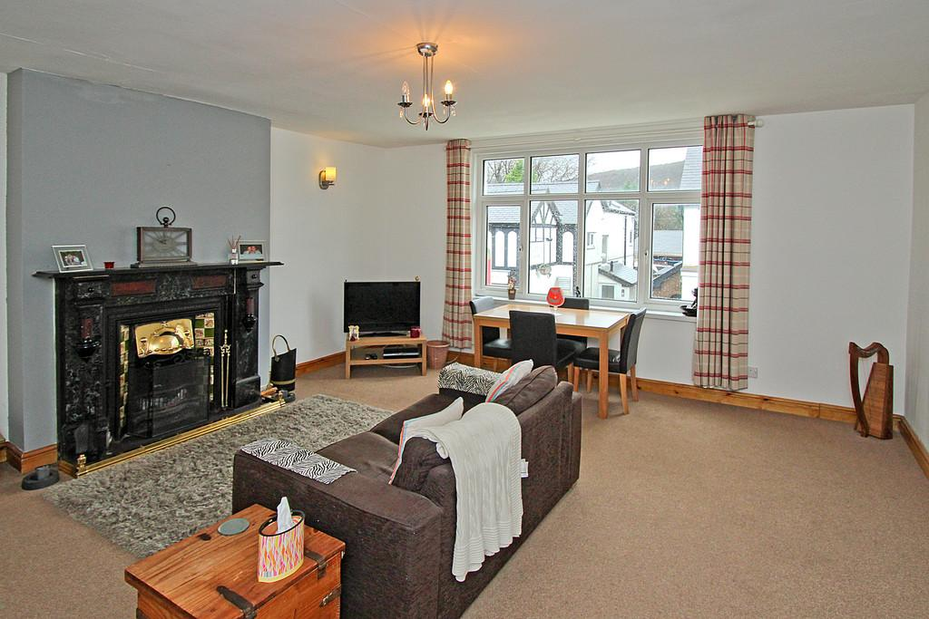 4 Bedrooms Semi Detached House for sale in High Street, Llanberis, North Wales