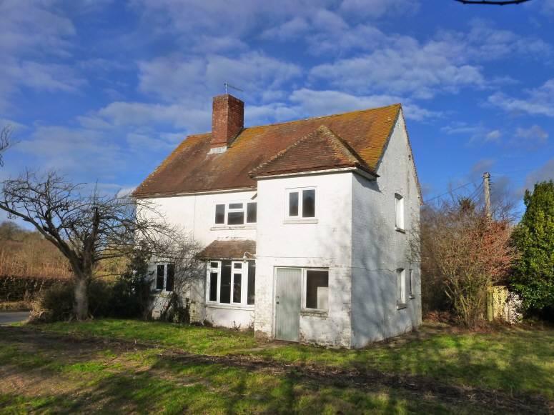 4 Bedrooms Detached House for sale in Goudhurst Road, Cranbrook, Kent, TN17 2LX