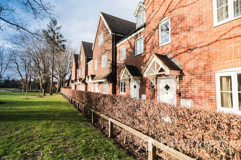 3 Bedrooms Terraced House for sale in Redland Avenue, Tunbridge Wells