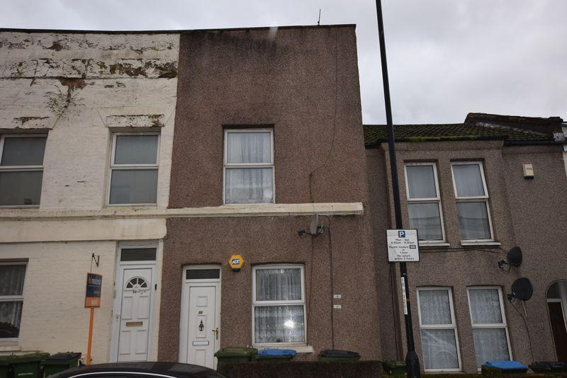 2 Bedrooms Terraced House for sale in Sandy Hill Road, Woolwich, SE18 7AZ