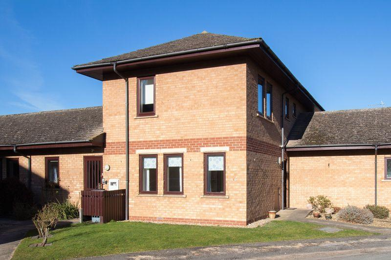 2 Bedrooms Apartment Flat for sale in Welland Mews, Stamford