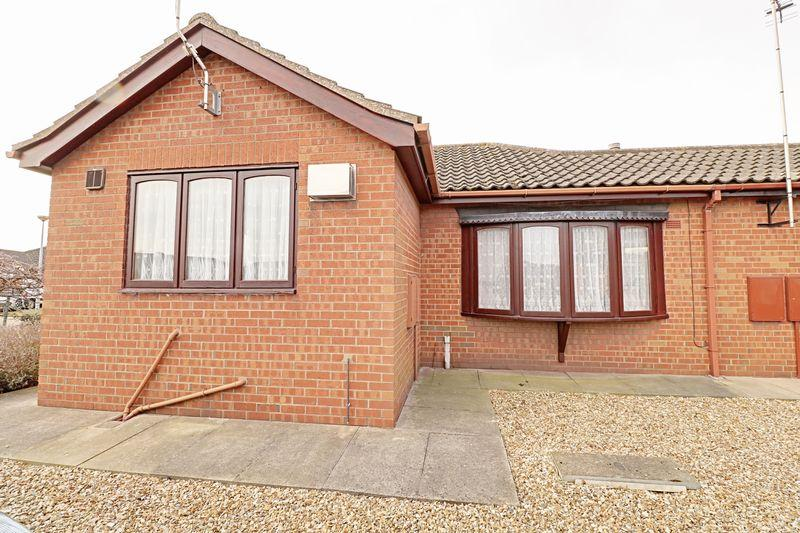 2 Bedrooms Bungalow for sale in Mill Croft, Scunthorpe