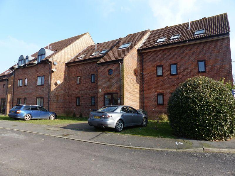 2 Bedrooms Apartment Flat for sale in Killicks, Cranleigh