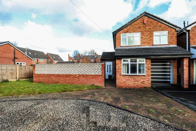 3 Bedrooms Detached House for sale in Kenilworth Close, Tipton