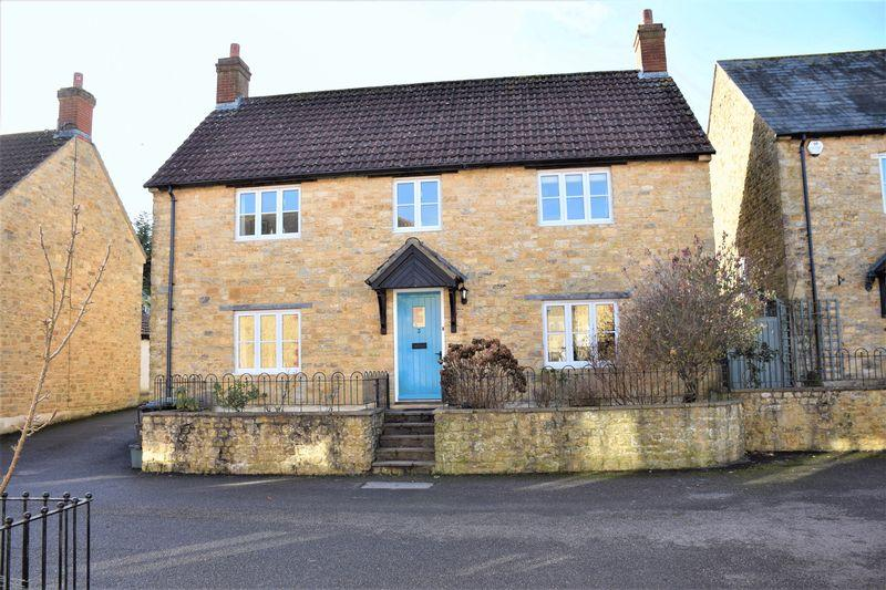 3 Bedrooms Detached House for sale in SCHOOL HOUSE CLOSE, BEAMINSTER, DORSET