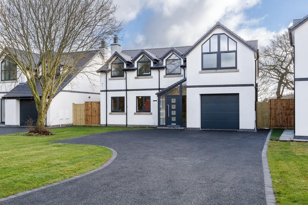 4 Bedrooms Detached House for sale in 4 The Paddock, Hartford, CW8 1NQ