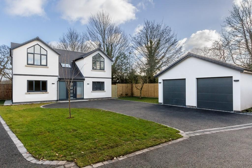 4 Bedrooms Detached House for sale in 5 The Paddock, Hartford, CW8 1NQ