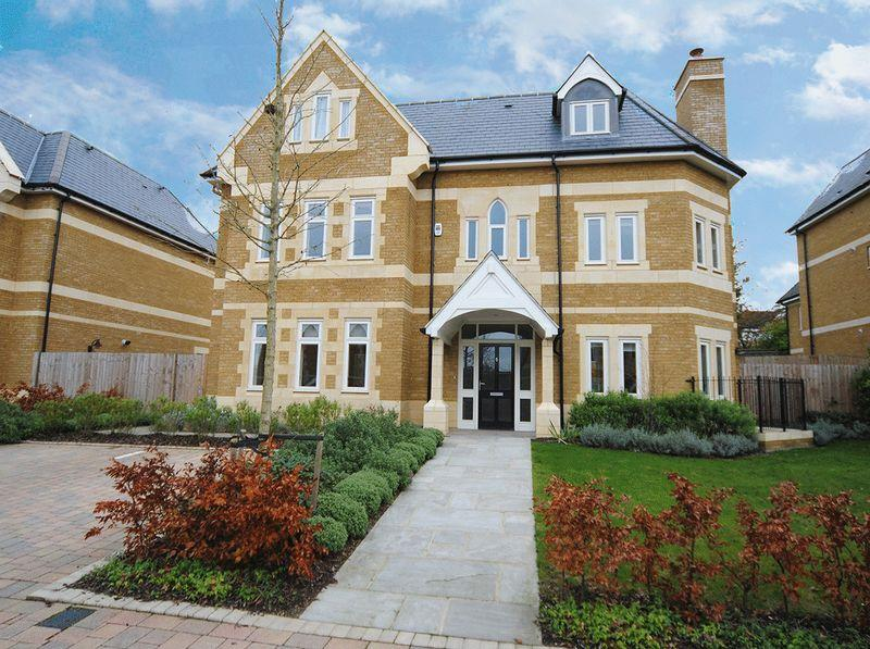 6 Bedrooms Detached House for sale in Carmel Gate, Havanna Drive, London NW11