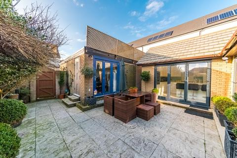 3 bedroom detached house for sale - Bristol Gardens, BRIGHTON, BN2