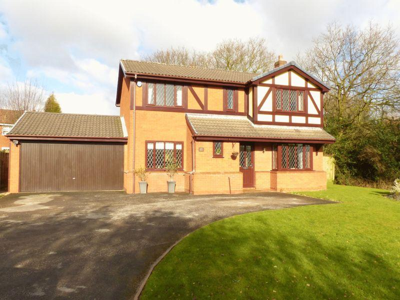 4 Bedrooms Detached House for sale in Castlehill Road, Upper Stonnall
