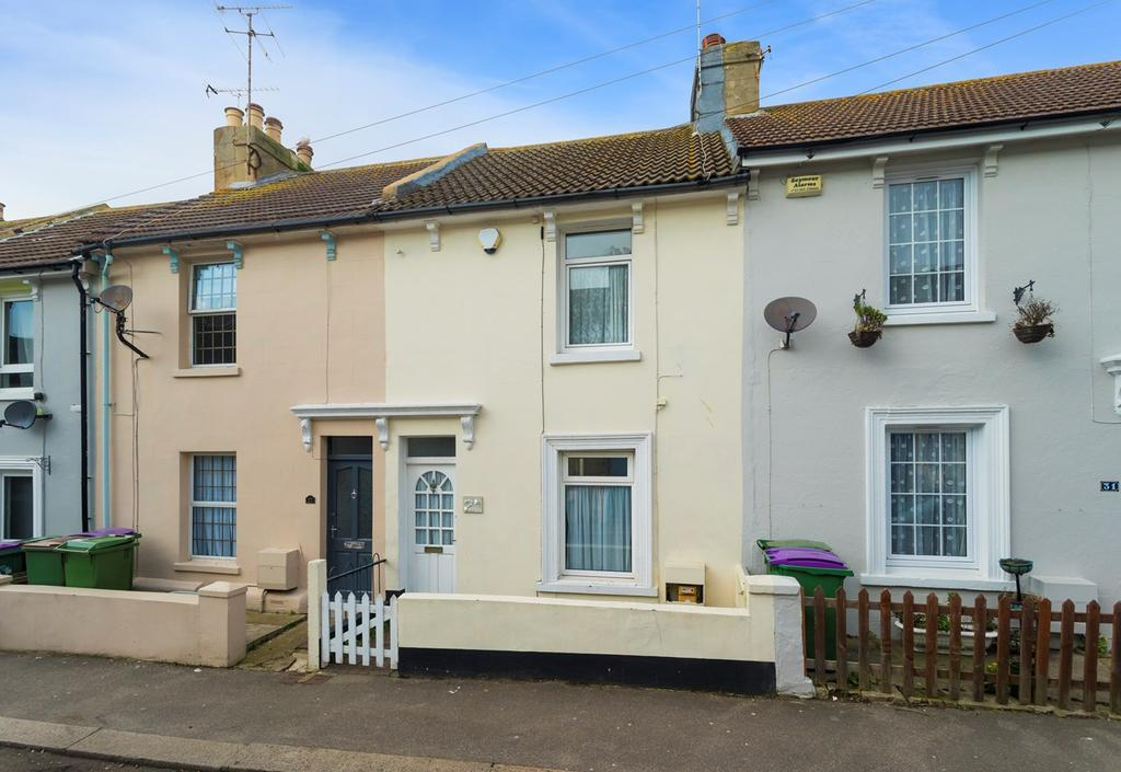 2 Bedrooms Terraced House for sale in Queen Street, Folkestone, CT20