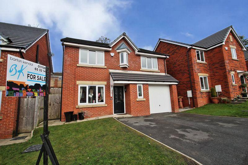 4 Bedrooms Detached House for sale in Troughbeck Way, Rochdale, OL12 7AZ