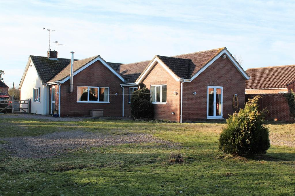 5 Bedrooms Detached Bungalow for sale in Willington Road, Kirton End, PE20