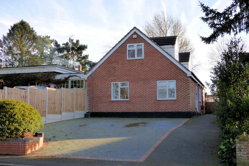 4 Bedrooms Bungalow for sale in Monsom Lane, Repton