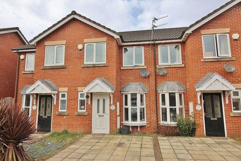 2 Bedrooms Terraced House for sale in Church Mews, Southport