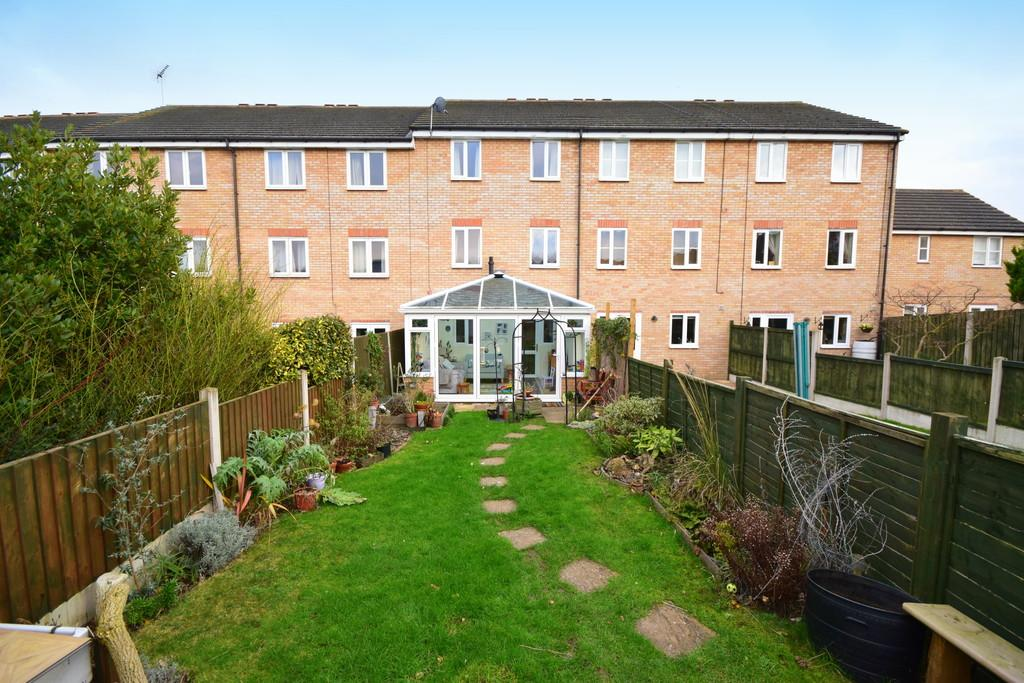 4 Bedrooms Terraced House for sale in Parkinson Drive, Chelmsford, CM1 3GW