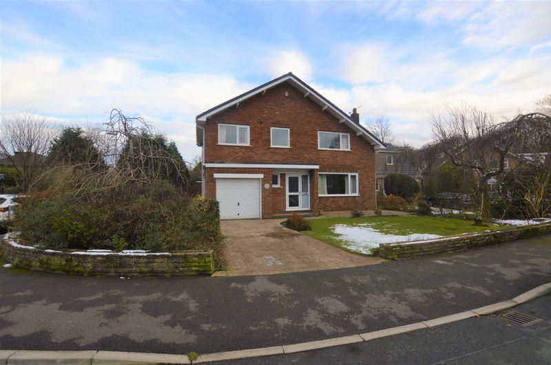 4 Bedrooms Detached House for sale in Caithness Road, Rochdale