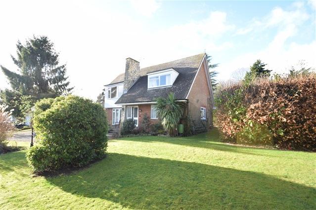 Detached House for sale in Longdean Park, Hemel Hempstead