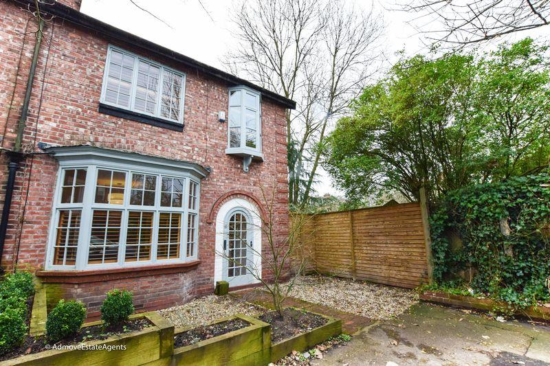 3 Bedrooms Semi Detached House for sale in Malton Avenue, Manchester