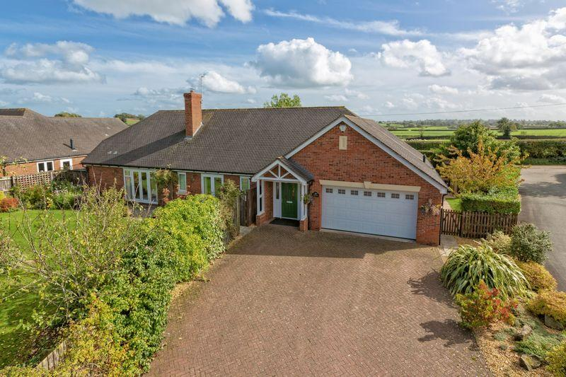 4 Bedrooms Bungalow for sale in Tetchill, Ellesmere