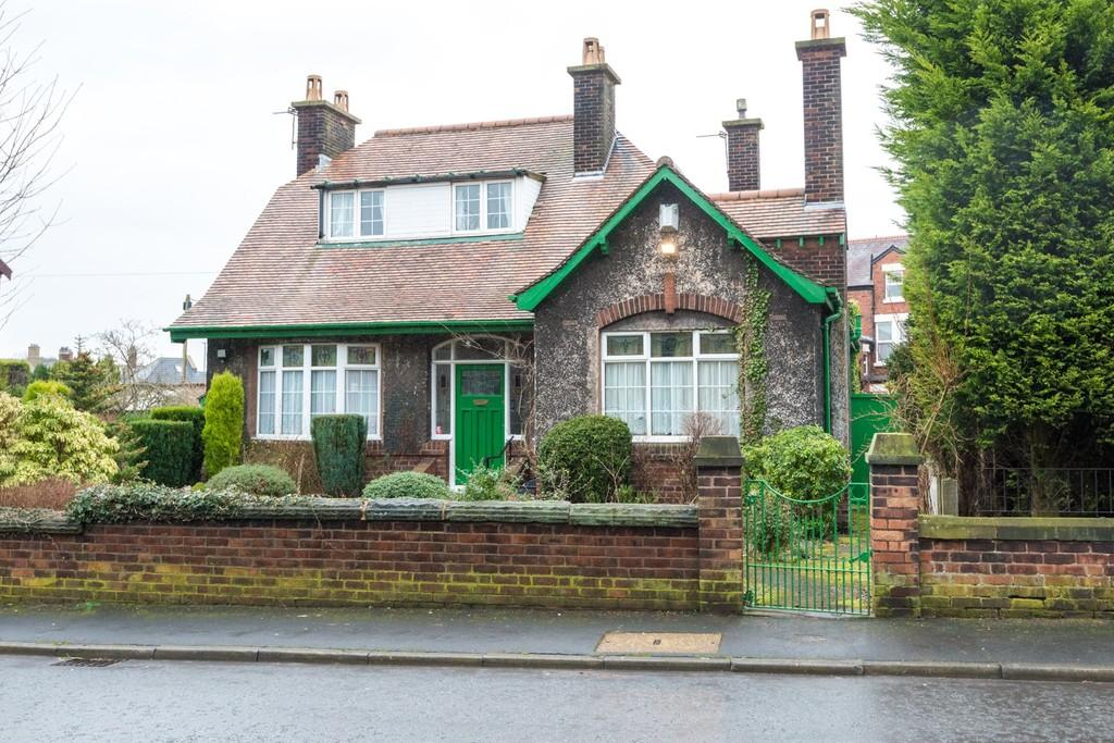 4 Bedrooms Detached House for sale in Laurel Road, West Park, St. Helens