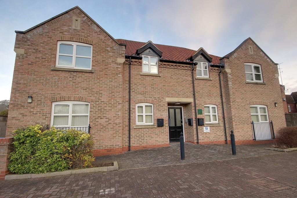 2 Bedrooms Ground Flat for rent in Finkle Street, Cottingham