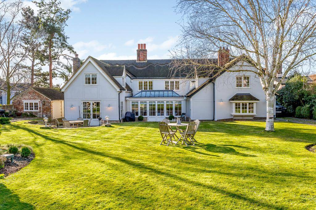 5 Bedrooms Detached House for sale in Manor Lane, Great Chesterford