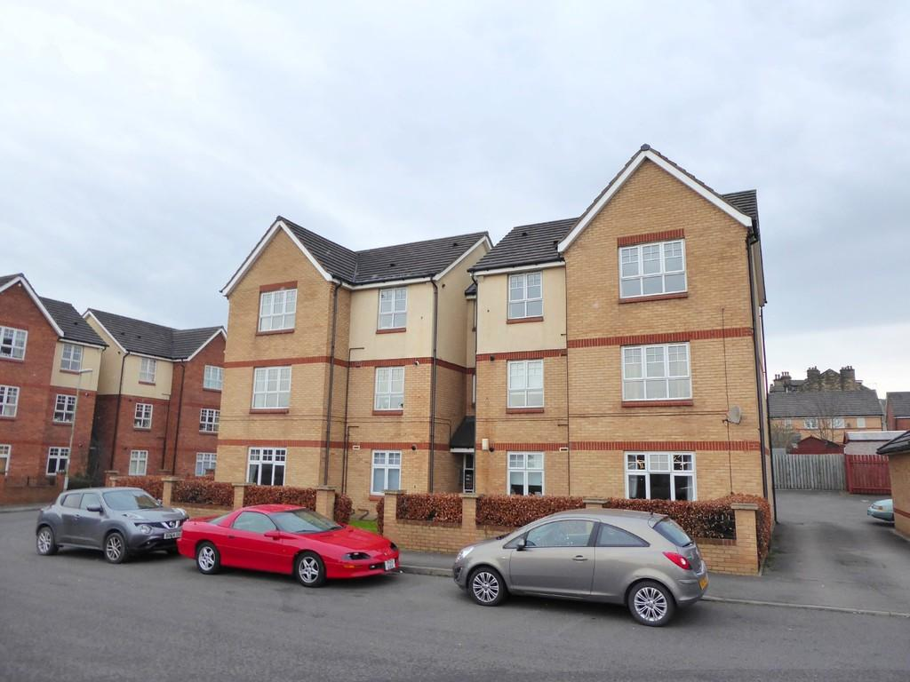 2 Bedrooms Apartment Flat for sale in Baptist Way, Stanningley