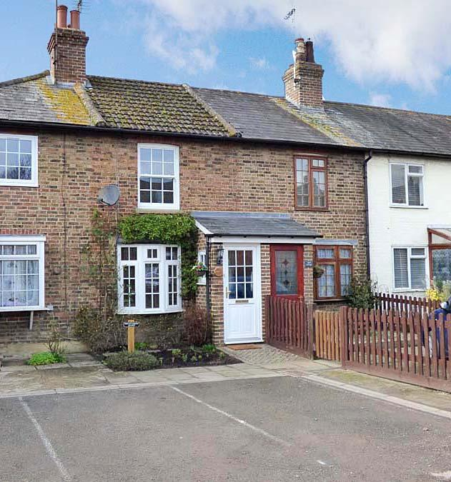 2 Bedrooms House for sale in London Road, Burgess Hill, RH15