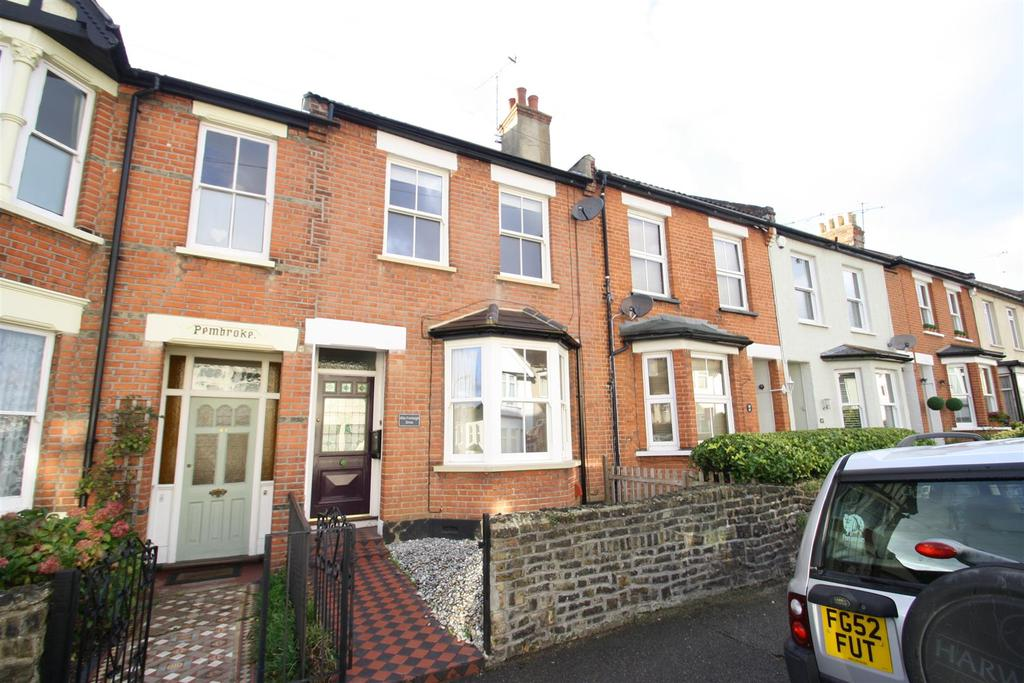 2 Bedrooms Terraced House for sale in Fairleigh Drive, Leigh-On-Sea