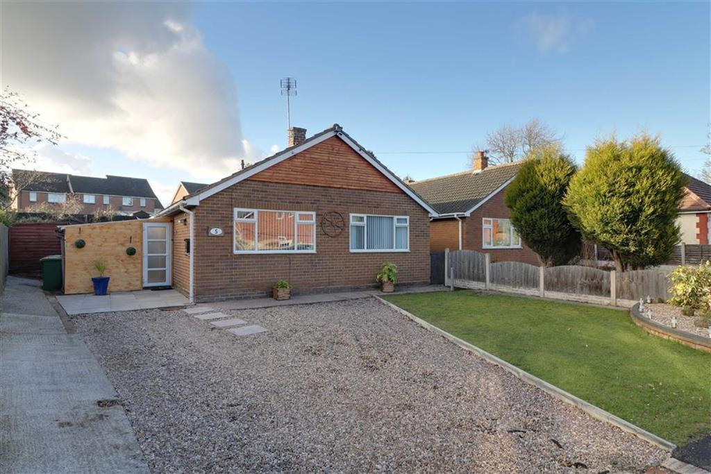 3 Bedrooms Detached Bungalow for sale in Field Street, Cannock, Staffordshire