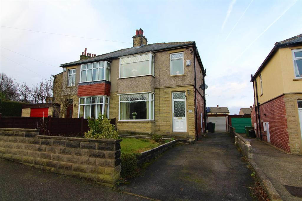 3 Bedrooms Semi Detached House for sale in Mayfield Avenue, Dalton, Huddersfield, HD5 9HN