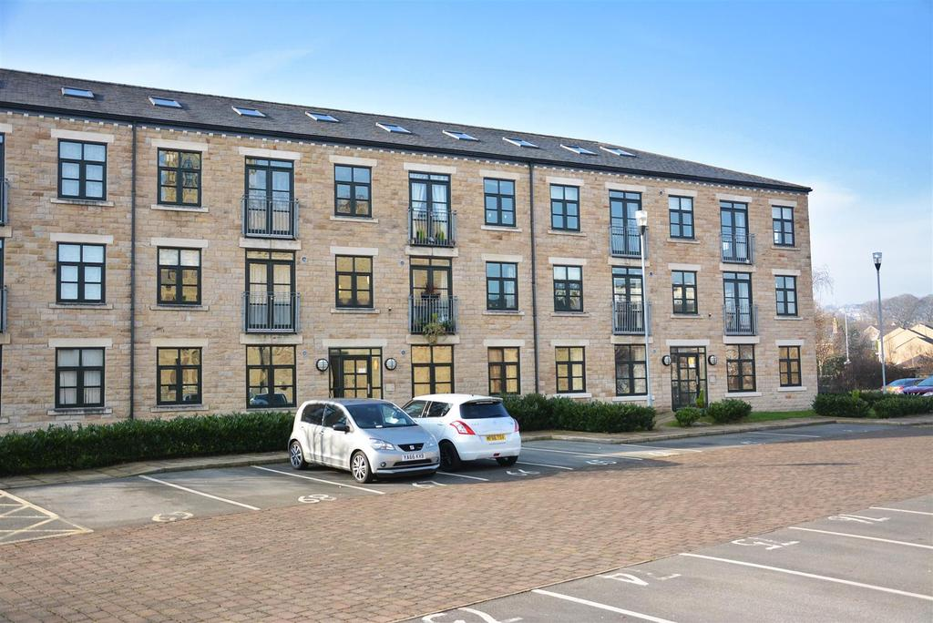 2 Bedrooms Apartment Flat for sale in Tenterfields House, Meadow Road, Apperley Bridge