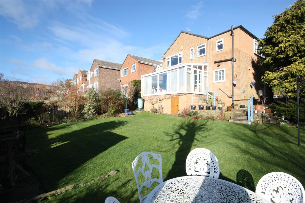 4 Bedrooms Detached House for sale in St. Richards Road, Otley