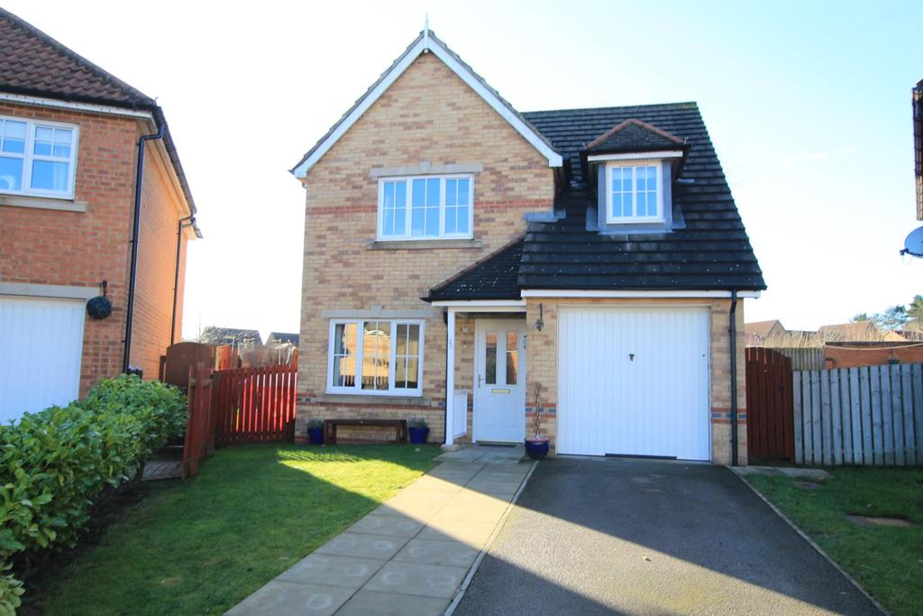 3 Bedrooms Detached House for sale in Pinewood Close, Cobblers Hall, Newton Aycliffe