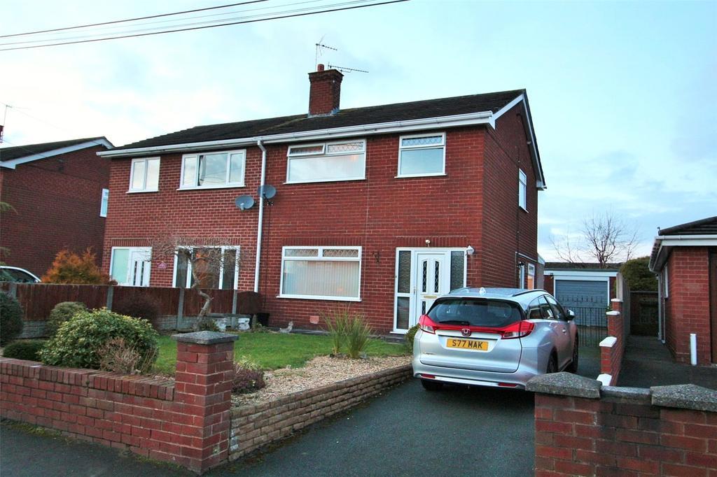 3 Bedrooms Semi Detached House for sale in Maes Alyn, Rhosrobin, Wrexham, LL11