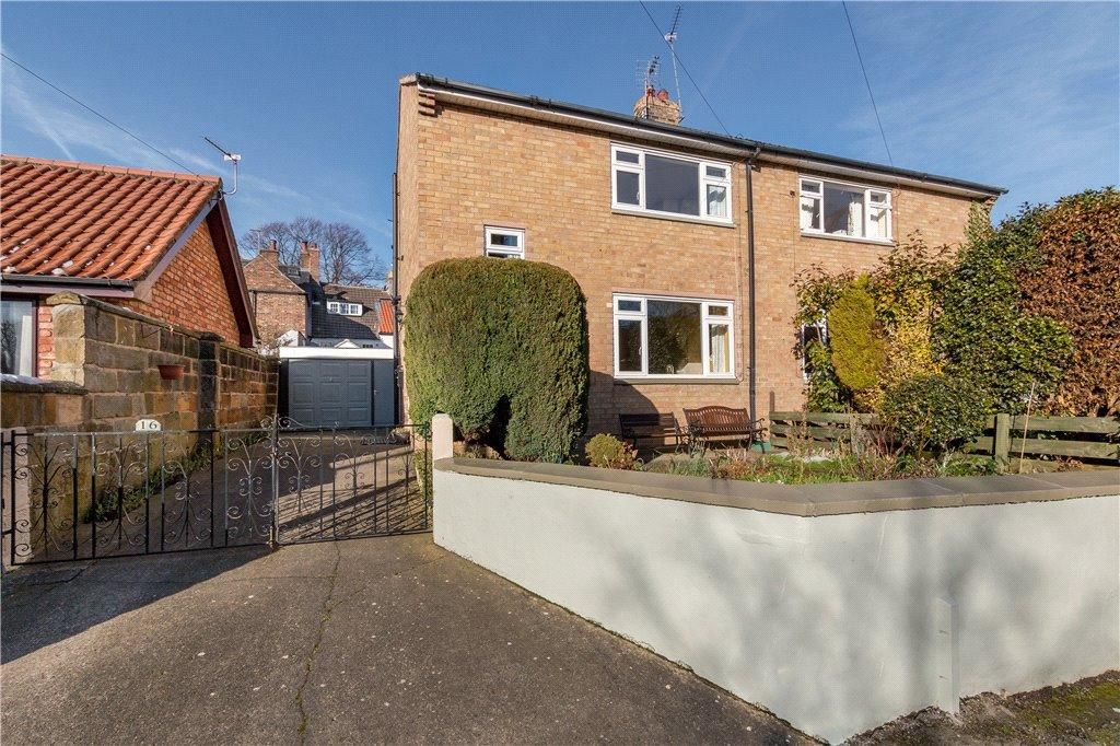 2 Bedrooms Semi Detached House for sale in Levenside, Stokesley, North Yorkshire