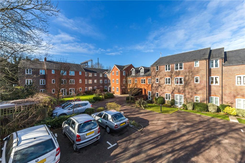 1 Bedroom Retirement Property for sale in Walkers Court, Harpenden, Hertfordshire