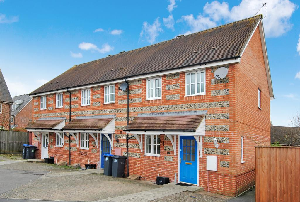 3 Bedrooms End Of Terrace House for sale in Carpenter Drive, Amesbury, Salisbury, SP4 7WD