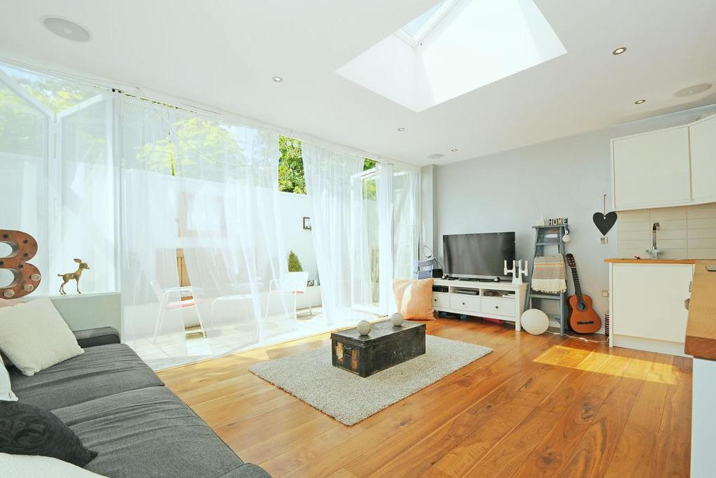 1 Bedroom Terraced House for sale in Mayford Road, Balham