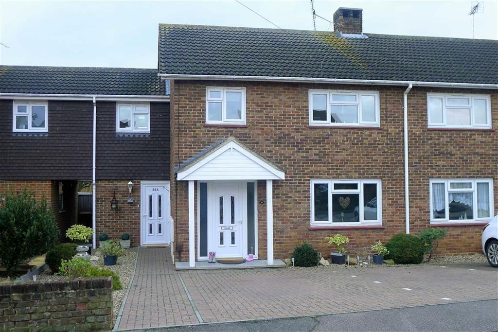 2 Bedrooms Maisonette Flat for sale in Thornham Road, Rainham